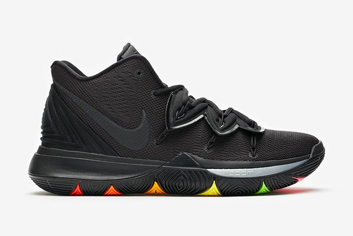 Kyrie 5 Triple Black