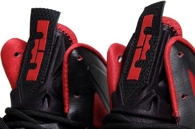Nike Lebron Tongue 1