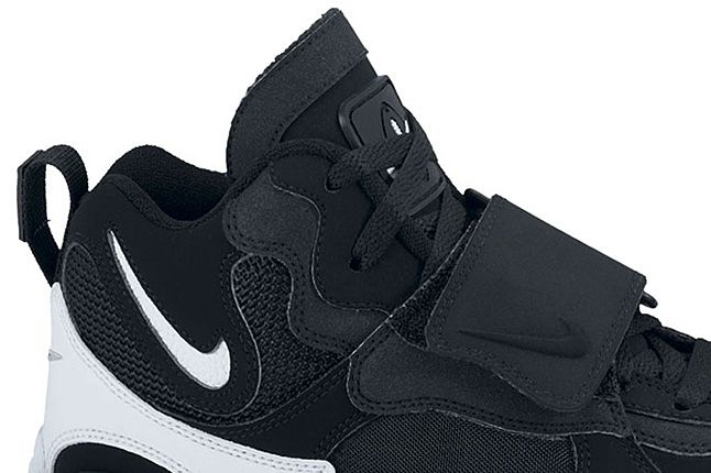 Nike Air Max Speed Turf Black White Voltage Yellow 03 1