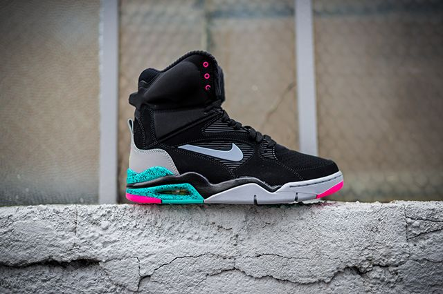 Nike Air Command Force Spurs 7