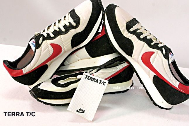 Vintage Collector Lindy Darrell Nike Runners 30