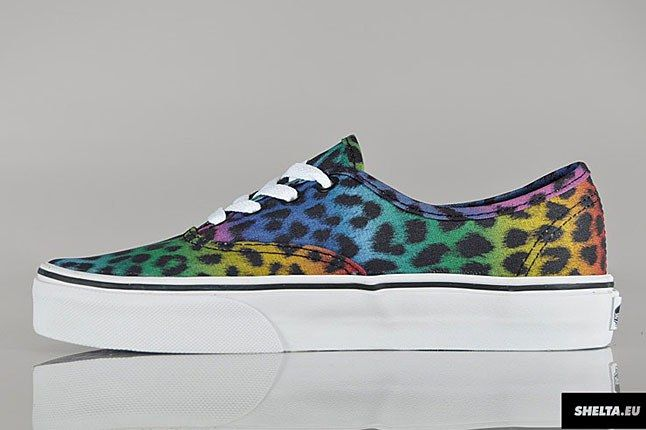 Vans Authentic Leopard Sneaker 1