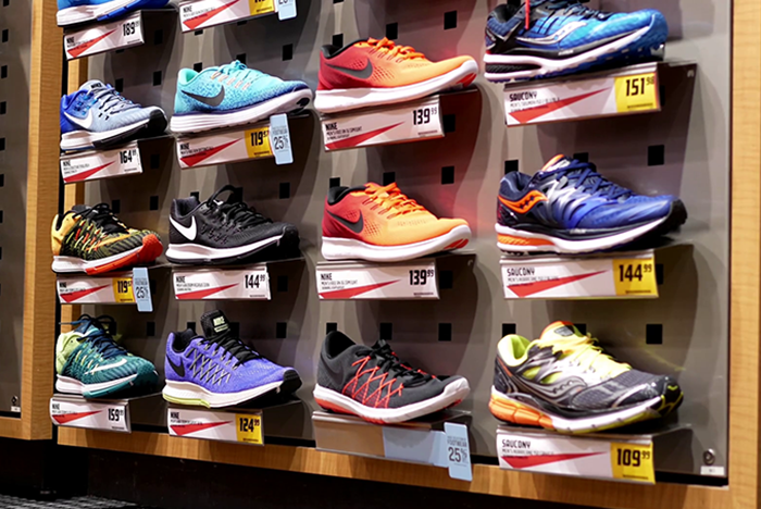 Motion Of Exposition Sport Shoes Inside Sportchek Store With 4K Resolution Rsgc Jfbe Thumbnail Full01