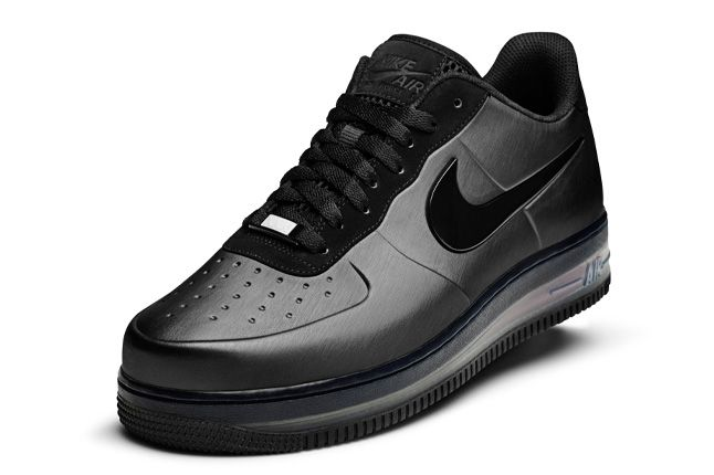 Nike Air Force 1 Foamposite Max Black Friday Quater Front 1