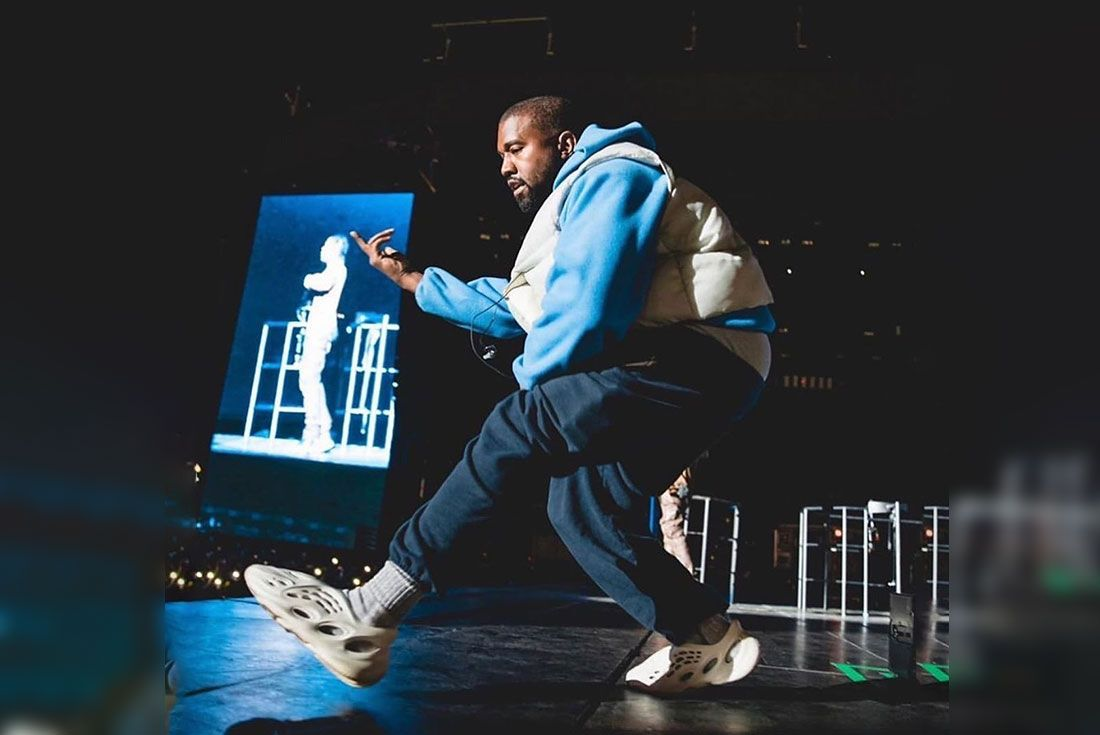 Kanye West Yeezy Foam Runner On Stage