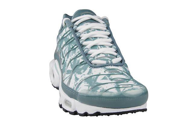 Nike Air Max Plus Crystal Green Camo 1