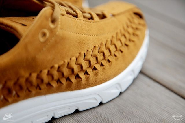 Nike Mayfly Woven Qs Chestnut Midfoot Detail