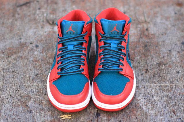 Air Jordan 1 Red Dark Sea