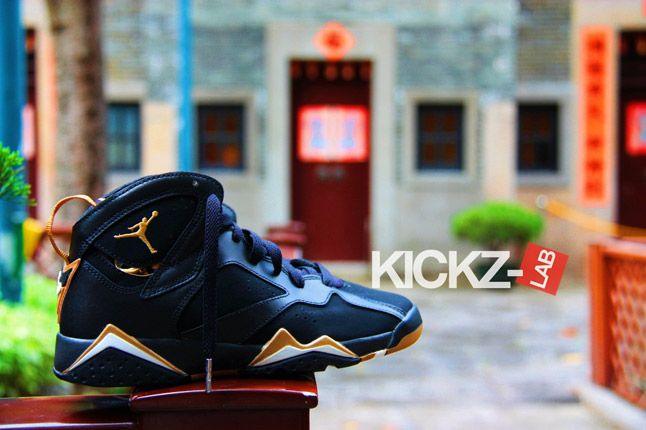 Air Jordan 7 Gold Medal New Pics 01 1