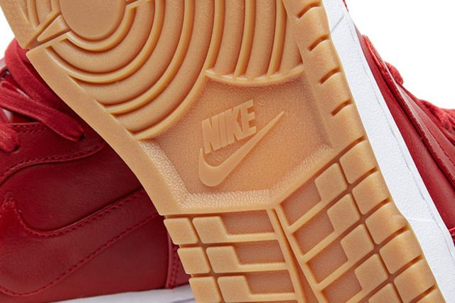 Nike Dunk Lux Gym Red 7