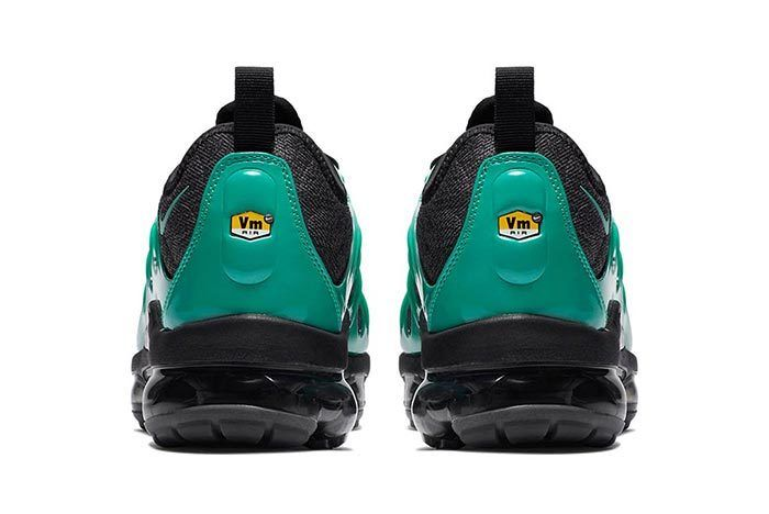 Nike Air Vapormax Plus Green Black 4