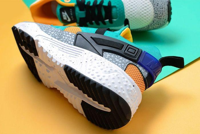Nike Safari Yellow Pack 3