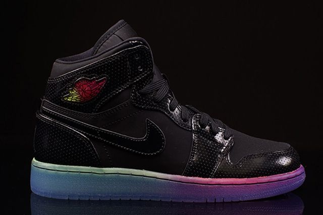 Air Jordan 1 Retro High Rainbow Sole 3