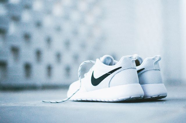 Nike Roshe Run Wmns Pure Platinum 6
