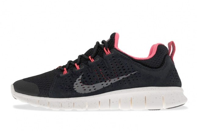 Nike Free Powerlines Ii Black Sail Metallic Silver Side 1