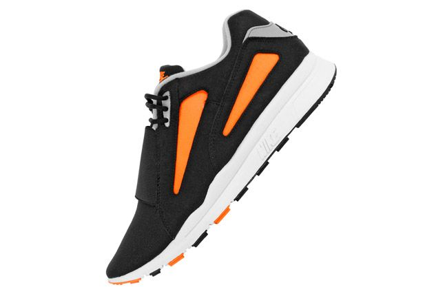 Nike Air Current Total Orange 02 1