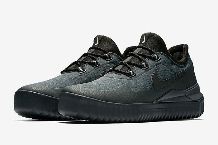 Nike Air Wild Black 6