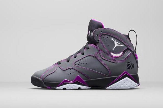 Air Jordan 6 Wmns Grey Grape 2