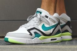 Nike Air Tech Challenge Ii Thumb