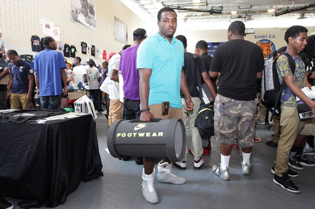 Sneaker Con Dc 19 1