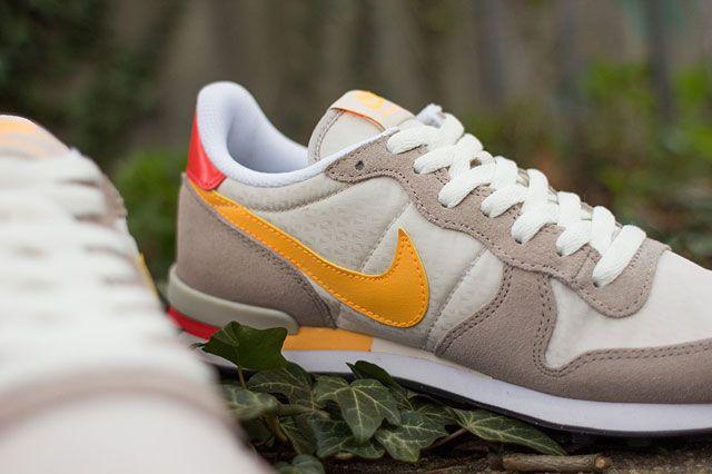 Nike Wmns Internationalist Detailshot2