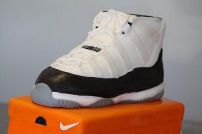Sneaker Freaker Sneaker Cakes Jordan 11 Concord 01 1
