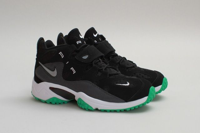 Nike Air Turf Raider Black Gamma Toe Quarter Profile