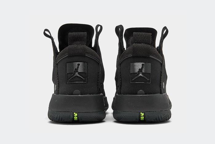 Air Jordan 34 Black Cat Heels