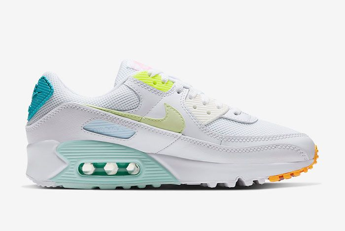 Nike Air Max 90 Cz0366 100 Lateral Side Shot