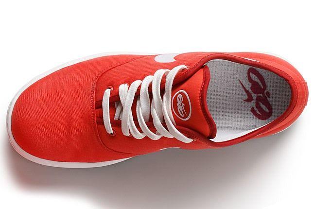 Nike6 0 Womens Air Isis 2 1