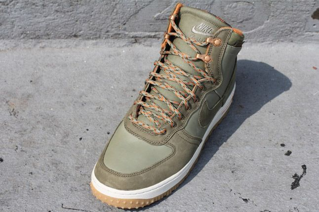 Nike Air Force 1 Military Boot Quater Front 1