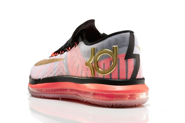 Nike Basketball Elite Series Gold Collection 21