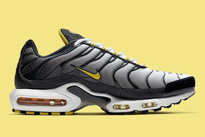 air max plus black on feet