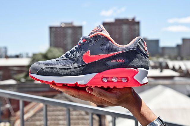 Nike Air Max 90 Wmns Grey Hyper Punch 1