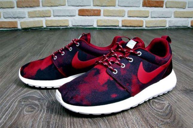 Nike Roshe Run Print Noble Red Heel Hero