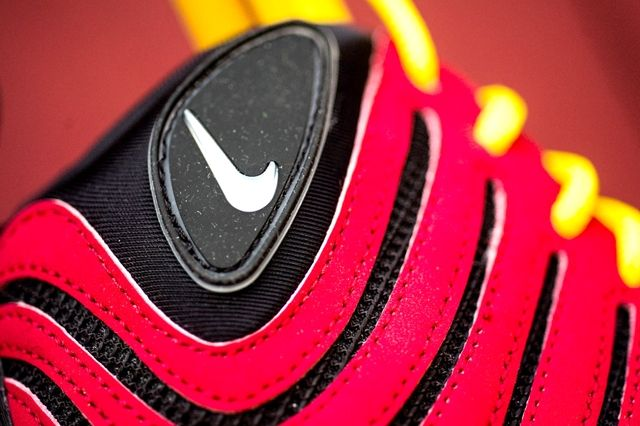 Nike Air Bakin Og Varisty Red Orange Blaze 5
