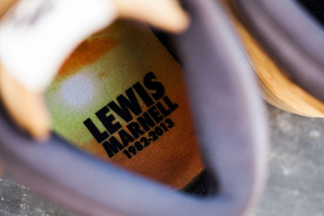 Nikesb Lewis Closwer Look 9