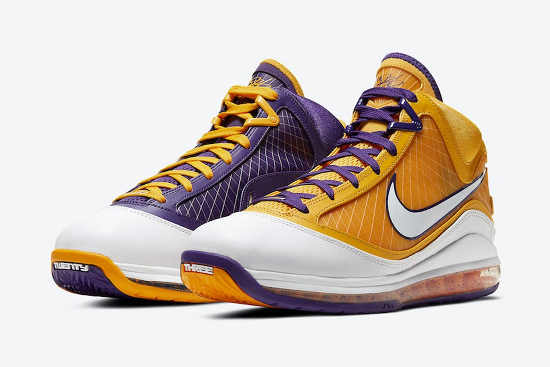 Nike LeBron 7 Lakers Front Angle