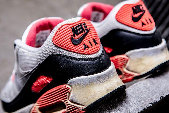 Nike Air Max 90 Infrared Retro Heel Detail