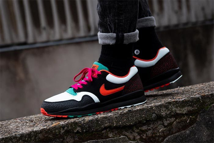 Nike Air Safari Team Orange Emerald