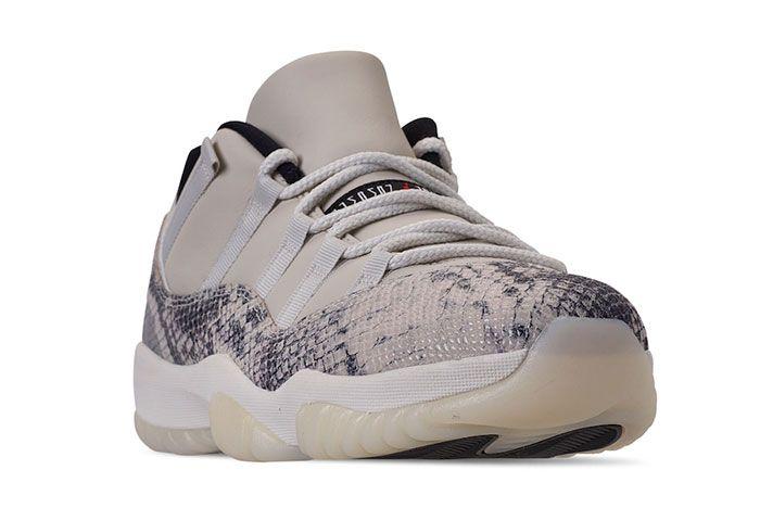 Air Jordan 11 Low Snakeskin Light Bone Toe