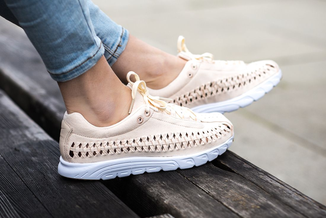 Nike Mayfly Woven Womens Pastel Pack 1