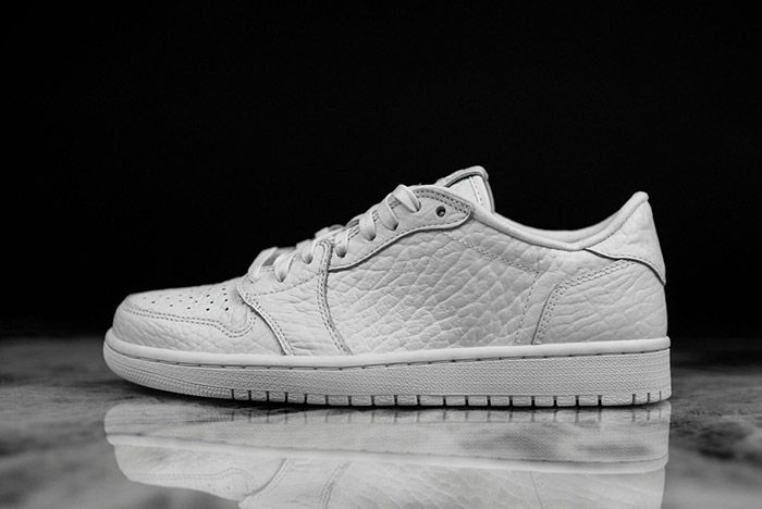 Air Jordan 1 Low Swooshless White 3
