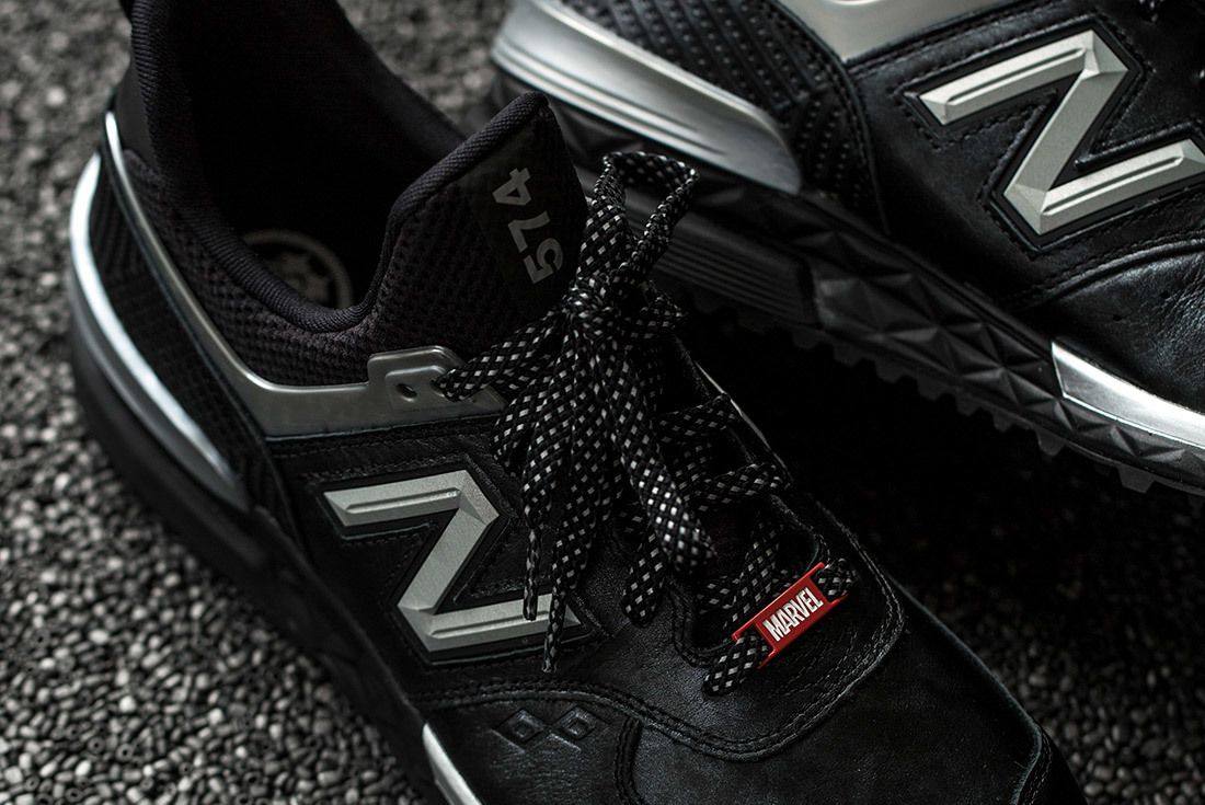 New Balance Black Panther 11
