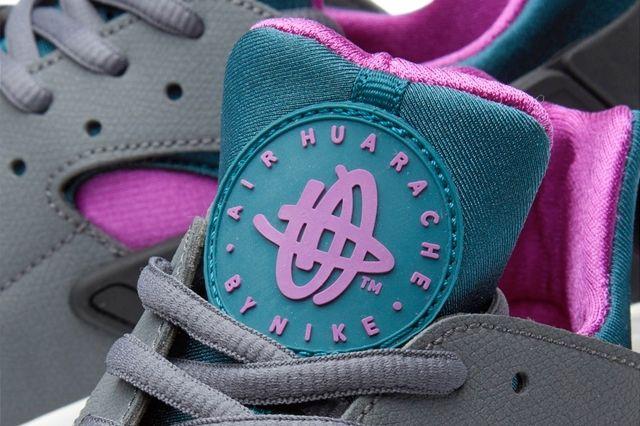 Nike Huarache Dark Grey Teal Bumper 4