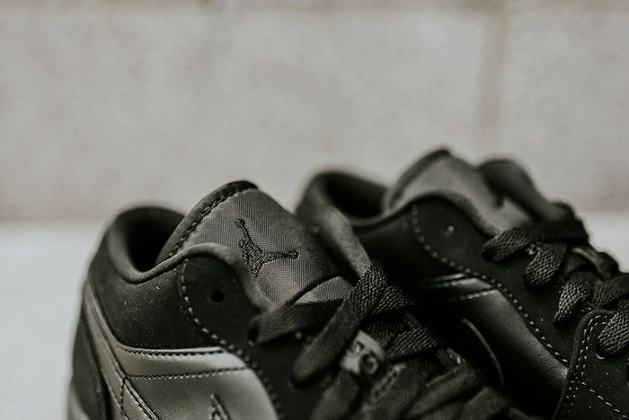 Air Jordan 1 Low Blackout 5