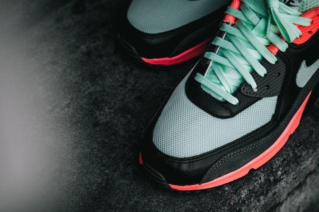 Nike Am90 Essential Vapor 1