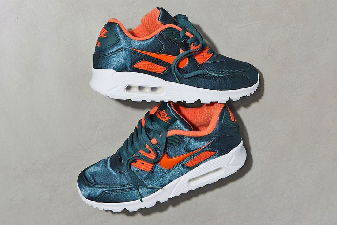 Unknwn Nike Air Max 90 305 00 Side