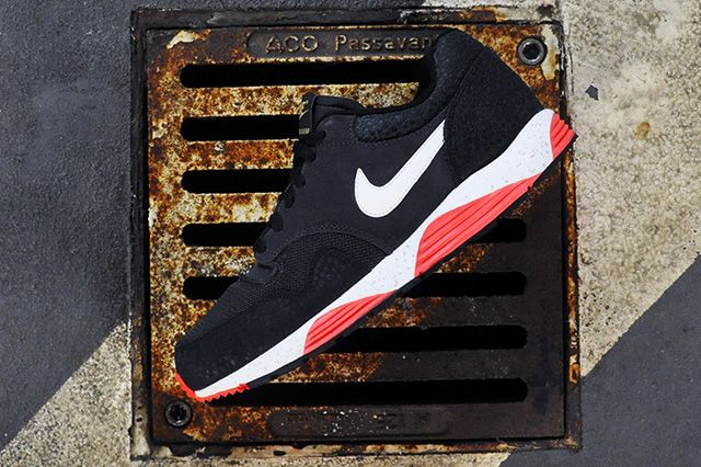 Nike Lunar Terra Safari Atomic Red 4