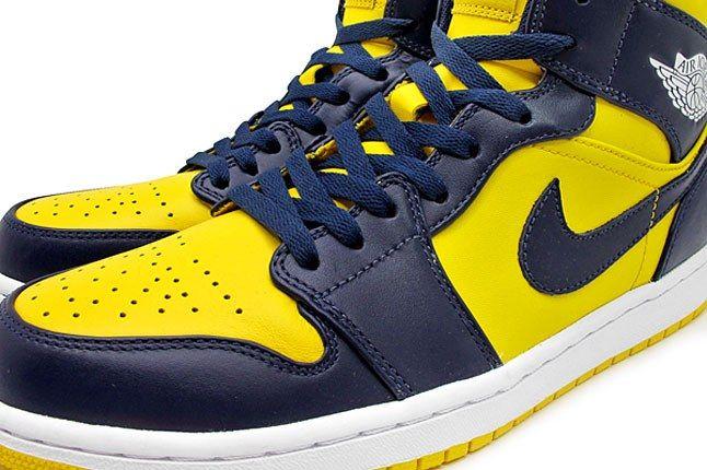Michigan Wolverines Nike Sneaker 1